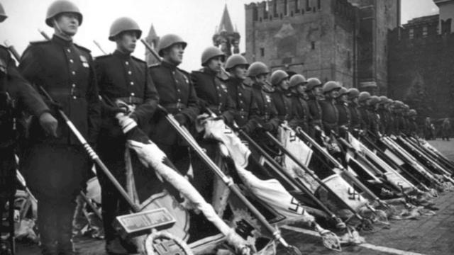 Парад после окончания Второй Мировой войны